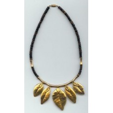 5 leaf mylie coco necklace